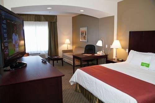 фото La Quinta Inn & Suites Bridge City 677669150