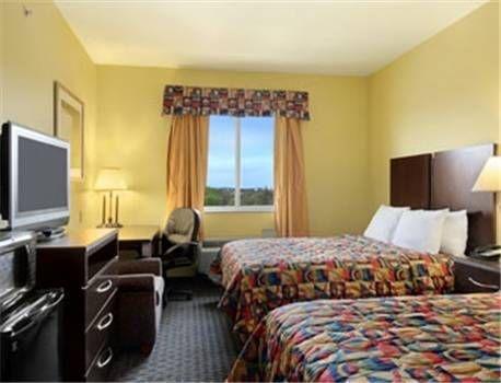 фото Days Inn & Suites Cleburne 677669902