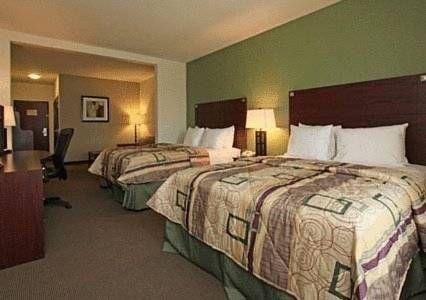фото Sleep Inn & Suites Intercontinental Airport East 677677261