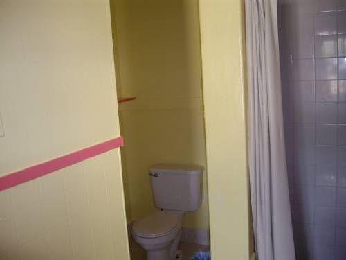 фото Relax Inn Motel Kountze 677678525
