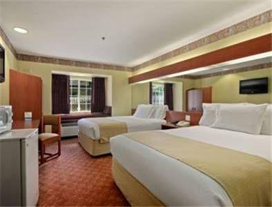 фото Microtel Inn & Suites by Wyndham Longview 677679169