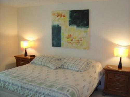 фото Seville Condominiums 677684840