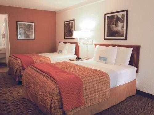фото La Quinta Inn The Woodlands North 677685530