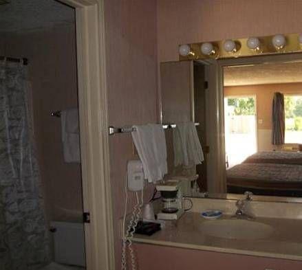 фото Hom Away Inn and Resort 677686408
