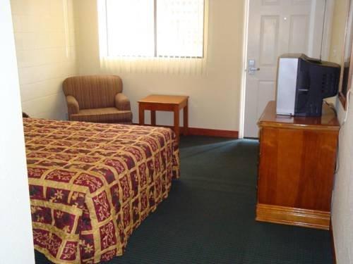 фото Econo Inn Suites 677686533