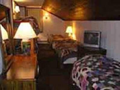 фото Turn of The River Lodge 677692273