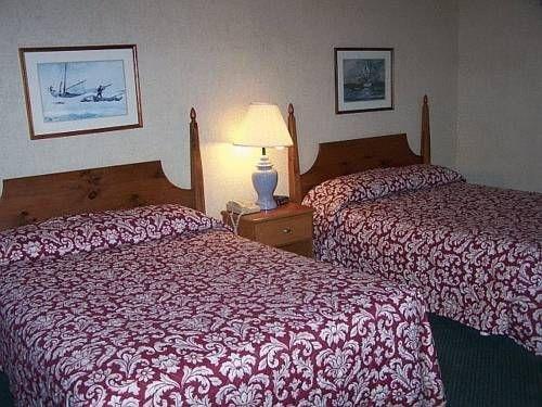 фото Commodores Inn 677693245