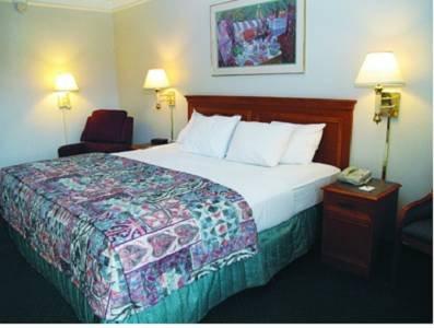 фото Baymont Inn & Suites Bristol 677694940