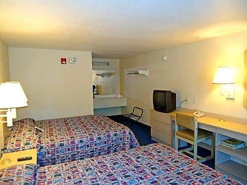 фото Motel 6 Newport News 677697304