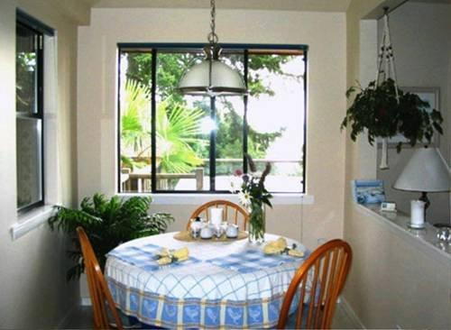 фото Soundview Cottage B&B 677701715