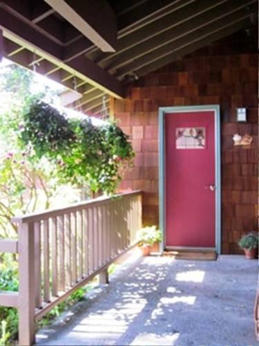 фото Soundview Cottage B&B 677701716