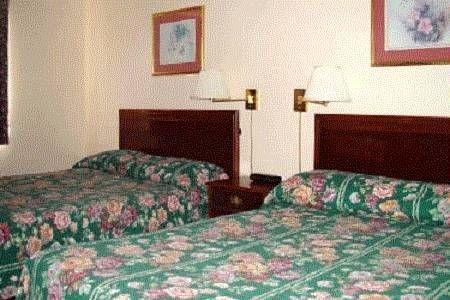 фото Village Inn & Suites Marysville 677703611