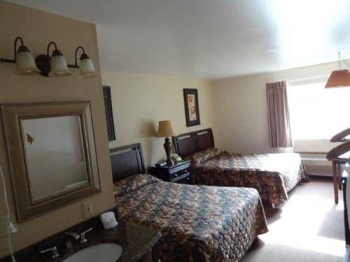 фото Crest Trail Lodge 677704193