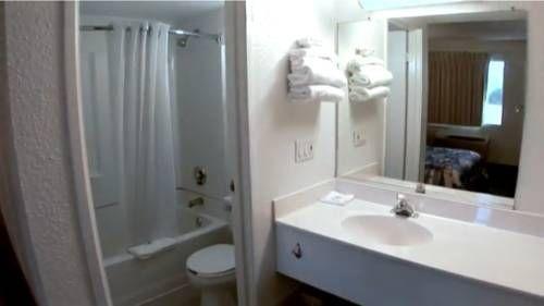 фото Motel 6 Everett South 677706732