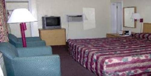 фото Berkeley Springs Motel 677707021