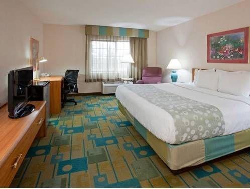 фото La Quinta Inn & Suites Milwaukee Delafield 677708299