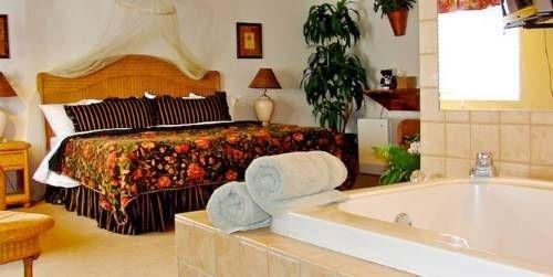 фото Days Inn And Suites Kaukauna WI 677708975