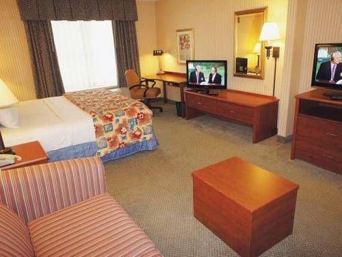 фото La Quinta Inn & Suites Milwaukee South West New Berlin 677710250