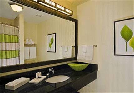 фото Fairfield Inn & Suites by Marriott Milwaukee Airport 677710268