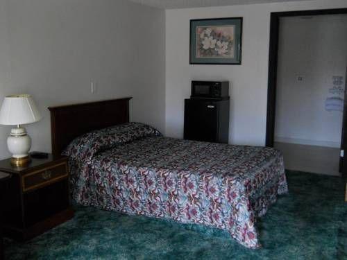 фото Value Inn Motel - Oak Creek 677710275