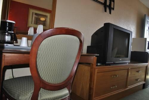 фото Valu Stay Inn & Suites River Falls 677710596