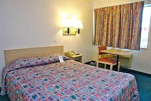 фото Motel 6 Cheyenne 677711787