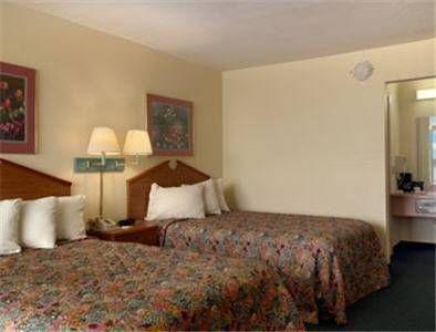 фото Days Inn Newport 677716722