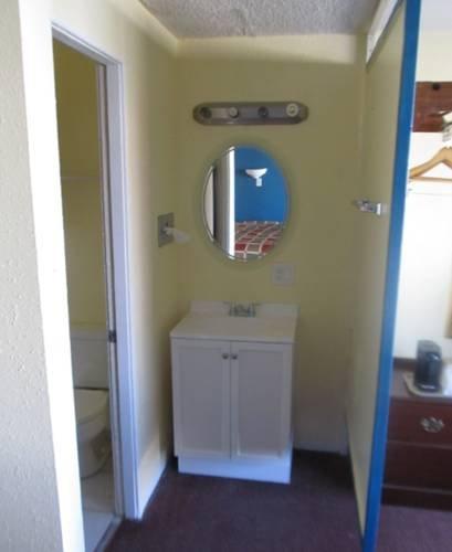 фото Travelers Lodge 677717232