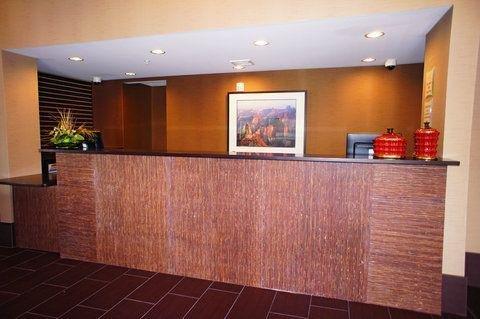 фото La Quinta Inn & Suites Las Vegas Tropicana 682312555
