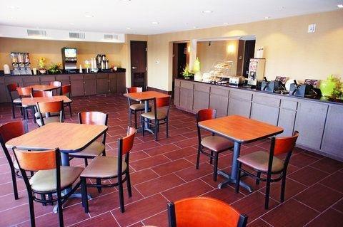 фото La Quinta Inn & Suites Las Vegas Tropicana 682312559