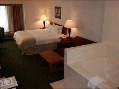 фото Quality Inn Interstate 685913358