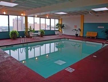 фото Ramada Plaza Hotel - Downtown South Bend 685946734