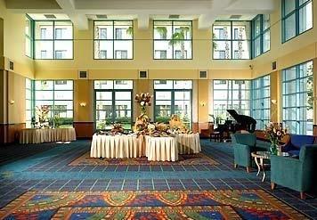 фото Marriott Burbank Airport Hotel 685995554