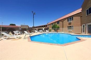 фото Americas Best Value Inn & Suites 686040804