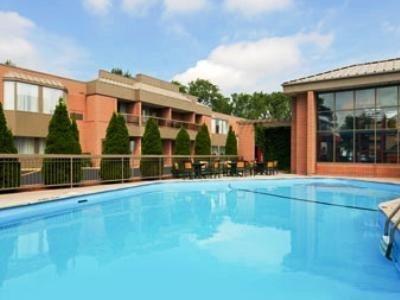 фото Ramada Plaza Niagara Falls Hotel 686042273