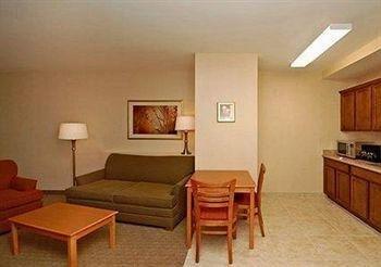 фото Comfort Suites Phoenix-Glendale 686047602