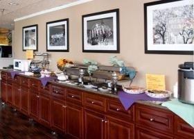 фото Quality Inn & Suites Montebello, CA 686048886