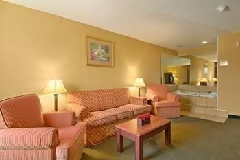 фото Comfort Inn & Suites Ann Arbor 686058346