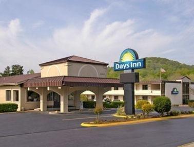 фото Days Inn Oak Ridge 686111961