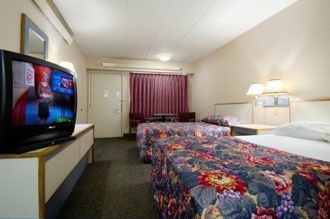 фото Red Roof Inn Cincinnati East Beechmont 686116254