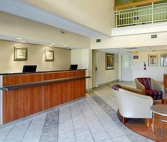 фото Red Roof Inn Houston - Westchase 686143897
