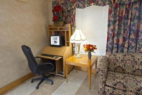 фото Americas Best Value Inn & Suites Stockbridge-Atlanta 686147351