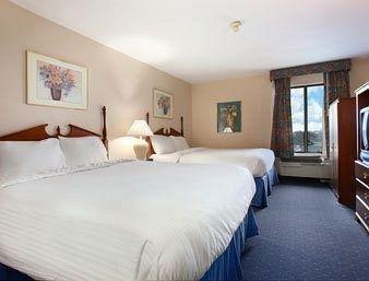 фото La Quinta Inn & Suites Greenwood 686235022