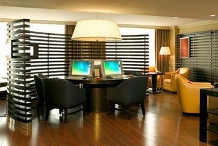 фото Sheraton Colonial Hotel 686251275