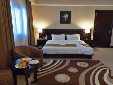 фото Monroe Hotel Bharian 686258136