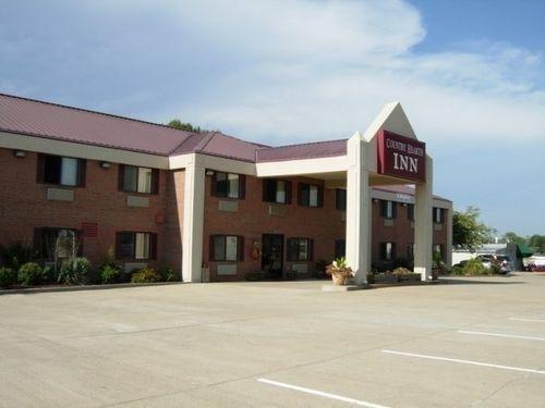 фото Country Hearth Inn Eddyville 686273676