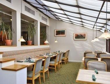фото Amelia`s Hospitality Inn & Suites 686283764