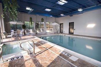 фото Envoy Inn & Suites 686294369