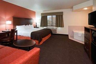 фото AmericInn Lodge & Suites Worthington 686294934