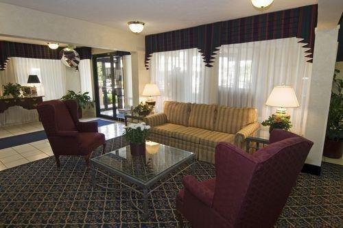фото Motel 6 Edgewood 686399179